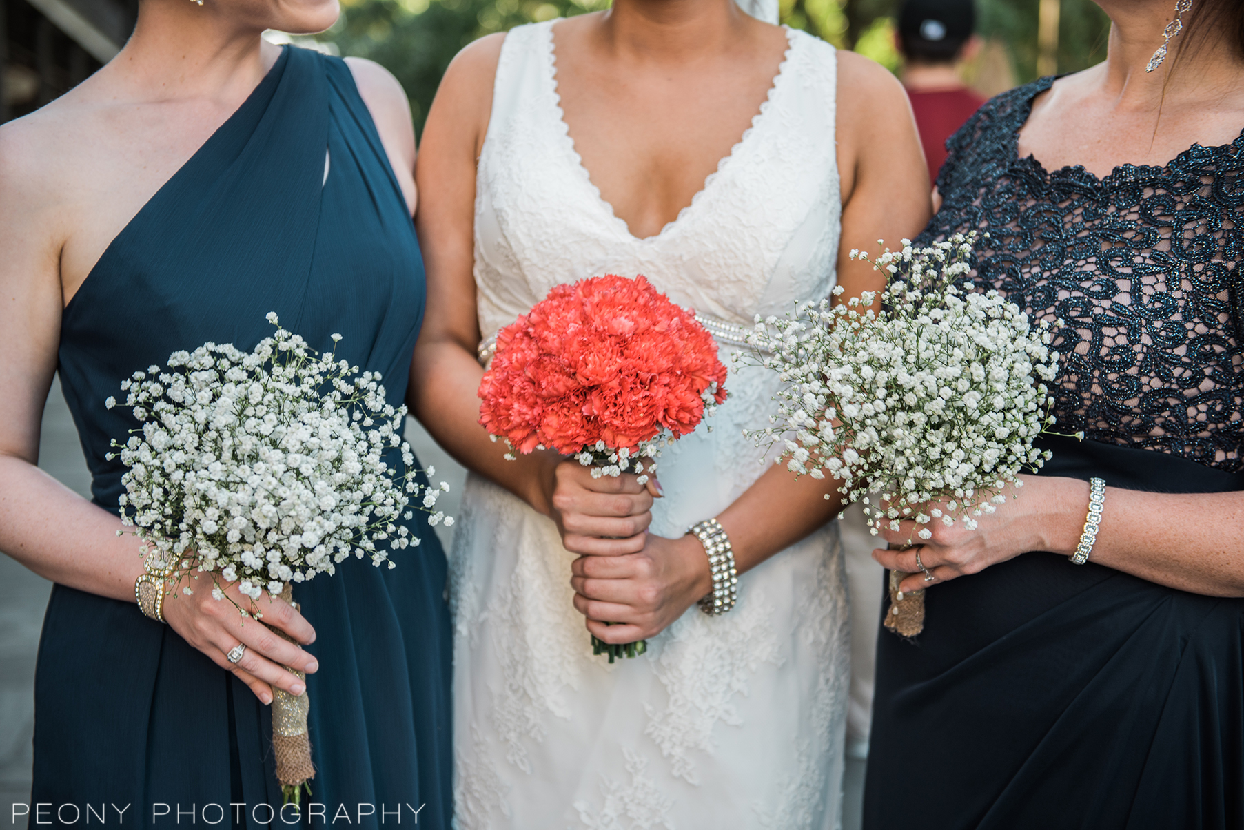 navy-blue-and-coral-wedding